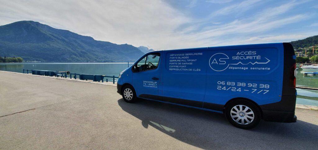 Camion de dépannage serrurier autour du Lac d'Annecy